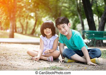 わずかしか, 公園, 砂, アジア 子供, 遊び