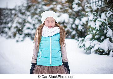 わずかしか, 冬, 雪, 暖かい, 屋外で, 女の子, 愛らしい, 日