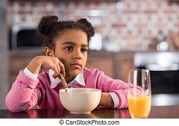 わずかしか, 哀愁を秘めた, 持つこと, 家肖像画, 女の子, 朝食
