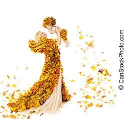 わずかしか, 家族, 秋, の上, 黄色は 去る, 秋, お母さん, 母, 赤ん坊, 白, 子供, 上げること