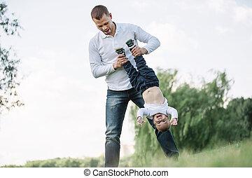 わずかしか, 彼の, 父, son., 遊び, 幸せ