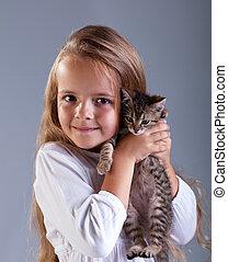 わずかしか, 愛らしい, 女の子, 彼女, 子ネコ