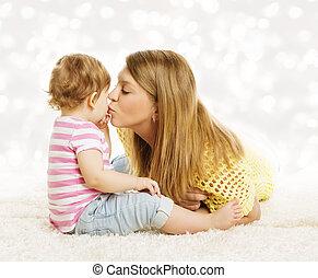 わずかしか, 接吻, 家族, 母, 肖像画, 母, 接吻, 赤ん坊, 子供