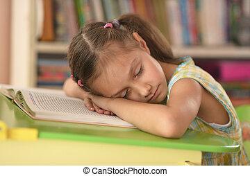 わずかしか, 本, 女の子, 睡眠
