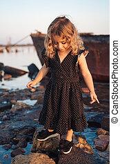 わずかしか, 浜, 歩くこと, 女の子