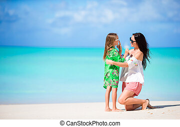 わずかしか, 浜。, 親, love., 若い, 母, 女の子