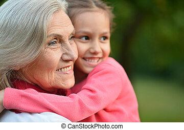 わずかしか, 祖母, 女の子, 公園
