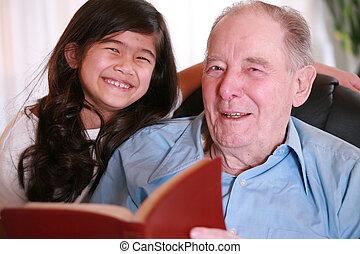わずかしか, 聖書, 一緒に, 年配, 女の子の読書, 人