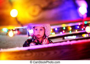 わずかしか, 見る, ライト, 外, 女の赤ん坊, クリスマス