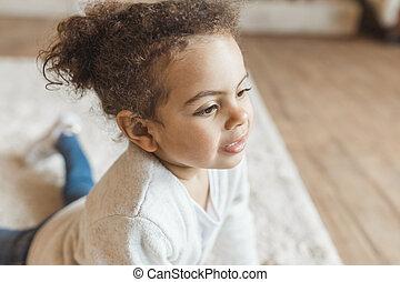 わずかしか, african american, 家, 肖像画, 女の子, 愛らしい