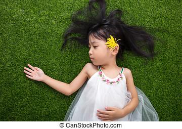 アジア人, 中国語, 女の子, 芝生の上に横たわる, ∥で∥, 花