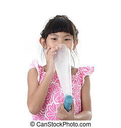 アジア 子供, 使うこと, a, 医学, 鼻噴霧, 中に, ∥, 鼻, 白