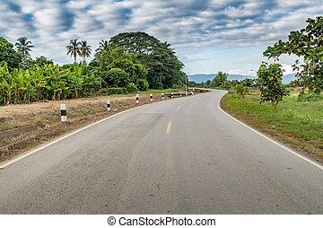 アスファルト, 田舎の道路