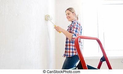 アパート, 若い女性, 新しい, 肖像画, 微笑, 改修
