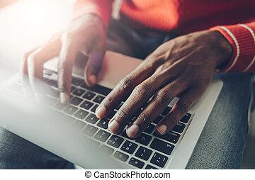 アフリカの男, ノート, 仕事, 手