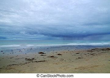 アプローチ, 雨 雲, 入り江, 水晶