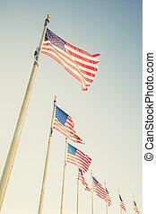 アメリカのフラグ, flagpoles