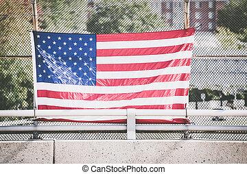 アメリカの旗, フェンス