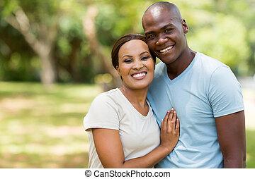 アメリカ人, アフリカ, 屋外のカップル