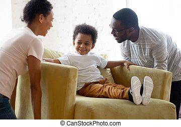 アメリカ人, 家族, 若い, 幸せ, 移転する, アフリカ, 子供