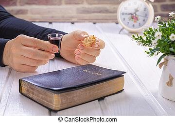 イエス・キリスト, -, 取得, シンボル, bread, 祈ること, ワイン, 聖書, 若い, 血, 神聖, キリスト, 女, 聖餐, 体