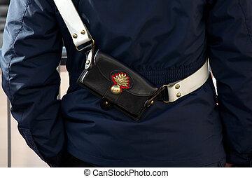 イタリア語, bandolier, 警官
