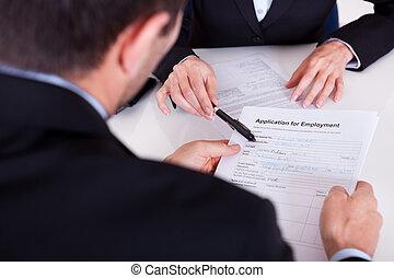 インタビュー, 適用, 雇用, 形態