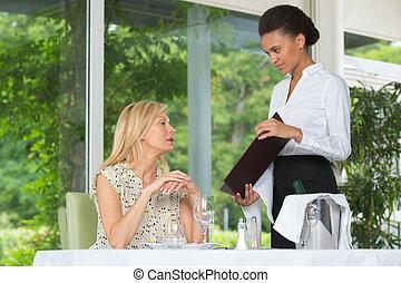 ウエーター, 女性, 給仕, レストラン