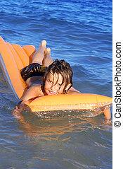 エアベッド, lilo, 若い, 遊び, 海, 浮く, ∥あるいは∥, 子供