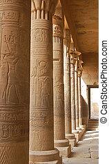 エジプト人, コロネド, 彫刻