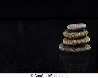 エステ, 低下, 山, 石, 冷静, 禅, バックグラウンド。, 雨滴, 水, stones., 平和, 黒, 概念, 上に, 光沢がある