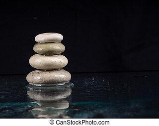 エステ, 概念, 黒, 山, 水, バックグラウンド。, 光沢がある, 冷静, stones., 雨滴, 上に, 石, 禅, 平和, 低下