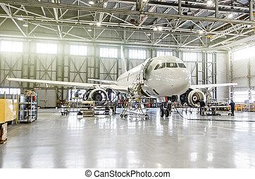 エンジン, 乗客, hangar., 維持, 修理, 空港, 航空機, 胴体