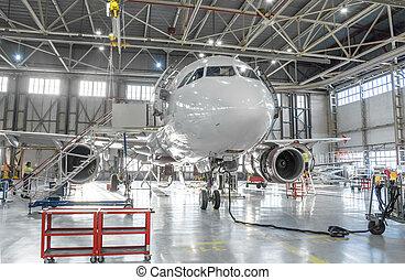 エンジン, 修理, hangar., 維持, ジェット機, 商用航空機, 空港, 胴体, 点検