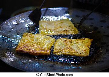 オイル, 通りの食糧, mughlai, 速い, ある, indian, paratha, 揚がること, 揚げられている, pan.