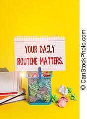 オフィス, しわくちゃになった, 習慣, 持ちなさい, よい, あなたの, ルーチン, メモ, 屑, テキスト, 概念, 毎日, 手書き, matters., 健康, clothespin, ペーパー, 意味, 生活, 生きている, 大箱, 供給, 空, yellow.