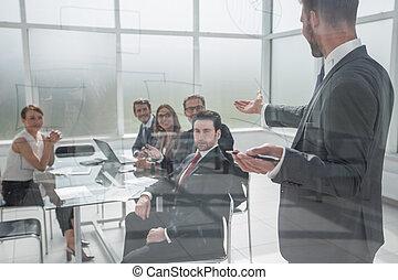オフィス, 作り, 現代, プロジェクト, ビジネスマン, 新しい, プレゼンテーション