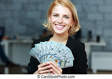 オフィス, 女性実業家, ドル, 保有物, 微笑, ビルズ, 幸せ