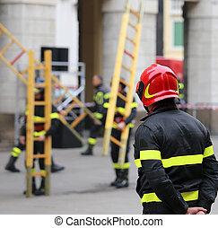 オペレーション, 救出, 木製のはしご, 消防士, の間