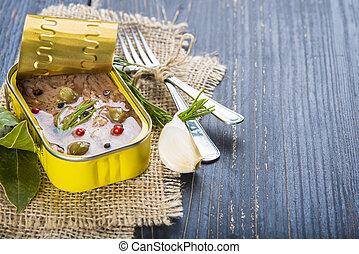 オリーブ, 缶詰にされる, マグロ, オイル, ライト