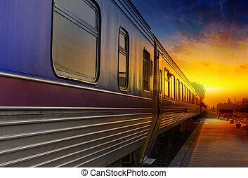 オレンジ, 渡ること, 日没, 列車