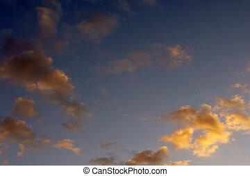 オレンジ, 雲