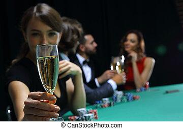 カジノ, 遊び, 美しい女性, 若い