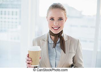 カップ, 女性実業家, 使い捨て可能, 保有物, ブロンド, 微笑