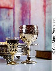 カップ, 木製である, 取得, フォーカス, ガラス, communion., ワイン, テーブル, bread, 赤ワイン