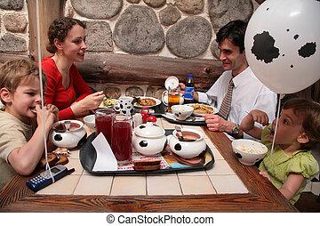 カフェ, 食べること, 家族