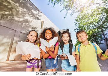 カメラ, 学校の 子供, 曲がり, 幸せ