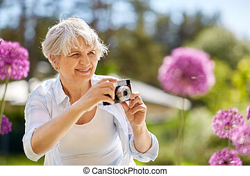 カメラ, 年長の 女性, 花, 写真うつりする