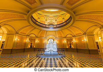 カリフォルニア, 国会議事堂, 円形の建物