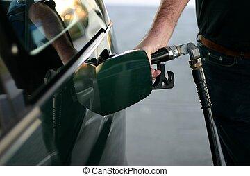 ガソリン, 燃料を補給すること